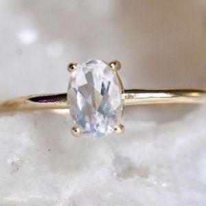 14k Gold Oval Moonstone Ring